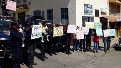 Photo of #Michoacán Bloquean Carreteras En Protesta Por Desarme Y Cambios De Polis A Otras Regiones
