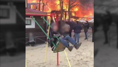 Photo of #Video Niño Se Columpia Bien Tranquis Mientras Casa Arde En Llamas