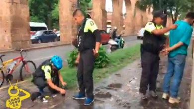 Photo of #Video Moreliano Pide Auxilio Y Capturan A Pareja Al Cristalear Su Jetta Negro En El Centro