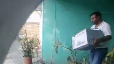 Photo of #Video Familiares De Veracruzano Muerto Se Llevan Sus Pertenencias En Pleno Velorio