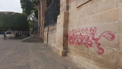 Photo of #HDSPM Grafitearon Tags Con Rojo Un Costado De La Catedral De Morelia