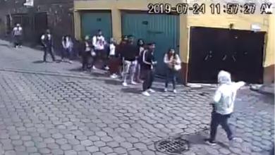 Photo of Entre Dos Armados, Asaltan A 10 Chavos Chilangos Saliendo De La Secundaria