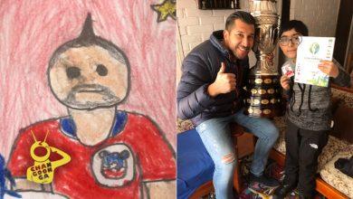 Photo of Niño Llena Con Dibujos Álbum De Futbol Porque Su Mamá No Tenía Dinero