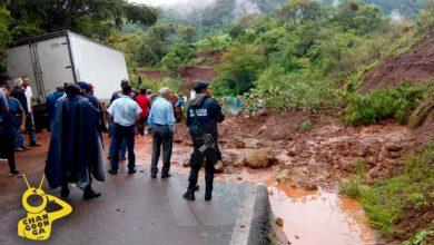 Photo of #Michoacán Lluvias Causan Deslave Carretero En Tzitzio: ♫Todo Se Derrumbó♪ Sin Heridos