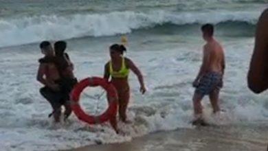 Photo of Niño Se Estaba Ahogando En La Playa Y Pensó Que Nadie Lo Salvaría Por Ser Negro