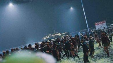 Photo of #WTF! Con Máscaras De Extraterrestres Y Corriendo Como Naruto Cientos Fueron Al Área 51