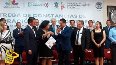 Photo of #Michoacán Silvano Entrega 201 Escrituras De Terrenitos A Profes De UMSNH