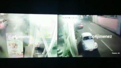 Photo of #Video Vocho Se Mueve Solo y Choca Contra Poste En CDMX