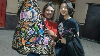Photo of Diseñadora Moreliana Cumple Sueño De Regalarle Vestido Michoacano A Ángela Aguilar