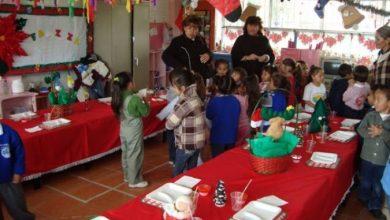 """Photo of #WTF! Maestra Niega Comida A Niños Que """"No Aportaron"""" Para Convivio De Navidad"""