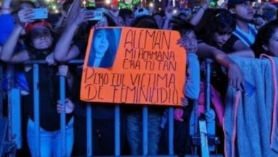 "Photo of Protestan En Concierto De Alemán: ""Mi Hermana Era Tu Fan, Fue Víctima De Feminicidio"""
