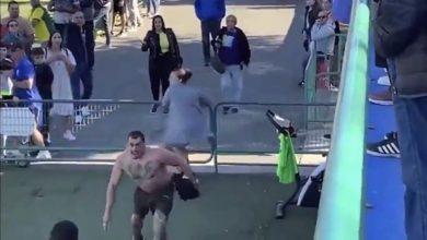 Photo of #Video Vato Entra A Cancha Para Golpear Al Árbitro En Medio De Un Partido De Niños