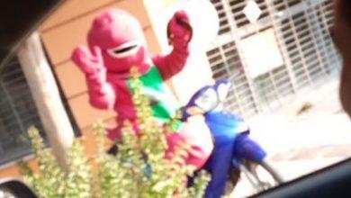 Photo of #WTF! Detienen A Barney Por Escaparse Durante Cuarentena