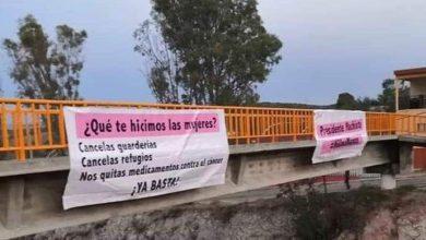 Photo of Llega AMLO A Aguascalientes, Lo Reciben Con Protestas Y Pancartas En Carretera