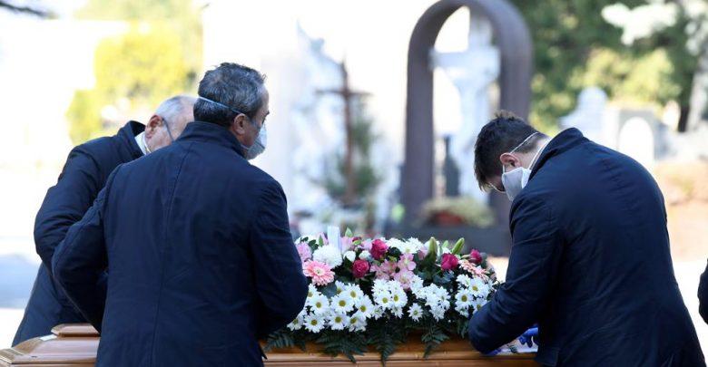 Italia supera en muertes a China