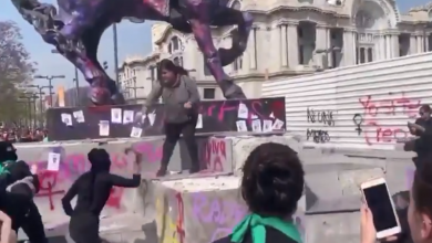 Photo of #Video Mujer Enfrenta A Encapuchadas Para Que No Dañaran Monumentos