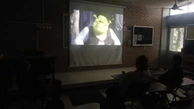 Photo of Estudiantes Ven 'Shrek' En La Escuela Ante Paro De Mujeres