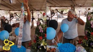 Photo of Abuelito Michoacano Llora Al Recibir Regalo De Cumple De Su Familia En EUA