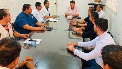 Photo of Autoridades De Apatzingán Evalúan Acciones Contra El Coronavirus