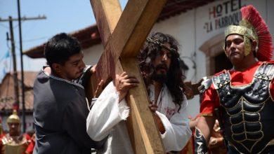 Photo of Ayuntamientos Y Políticos Michoacanos Conmemoran Viernes Santo En Redes Sociales