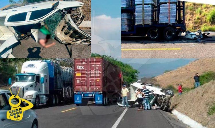 Tras el impacto, la camioneta volcó y quedó convertida en chatarra, mientras que el conductor pereció prensado