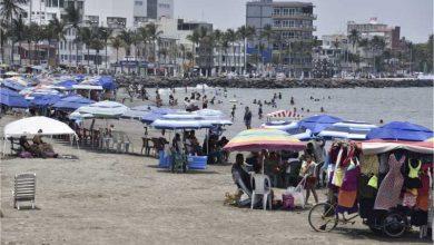Photo of Piden Uso De Fuerza Pública Para Retirar A Necios De Playa De Veracruz