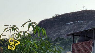 """Photo of #Michoacán No Es Hollywood Es Cerro De Lombardía Con Letrero """"Quédate En Casa"""""""