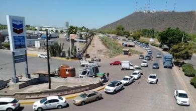 Conductores Pasan La Noche Formados En Sinaloa Para Poder Comprar Chela
