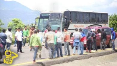 #Michoacán Policía Detiene A 7 Normalistas Por Intentar Secuestrar Autobuses En Tiripetío