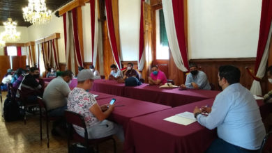 Photo of #Michoacán Antonio Madriz Sostiene Encuentro Con Normalistas En Beneficio De Educación