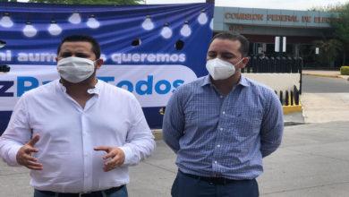 Se Manifiestan En Apatzingán Por Cobros Excesivos De La CEF