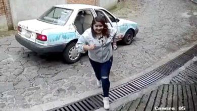 Photo of Pasa En México: Gorda Se Roba Flores Que Dejaron En La Puerta De Una Casa