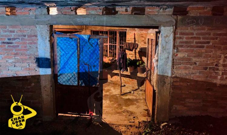 #Michoacán Hallan A Hombre Ahorcado Dentro De Letrina