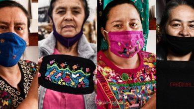 Photo of Artesanos Michoacanos Bordan Historias Purépechas En Cubrebocas Para Sobrevivir Al COVID -19