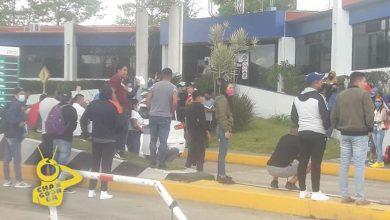 Photo of #Michoacán Normalistas Piden Cooperación En Caseta De Zitácuaro
