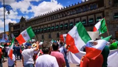 Photo of Mexicanos De 22 Estados Se Manifiestan VS AMLO En El Zócalo, Michoacán Incluido