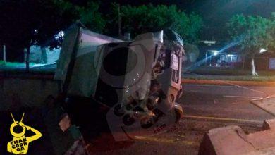 Photo of #Morelia Camioneta Hace La Estampación En Muro De La Avenida Madero
