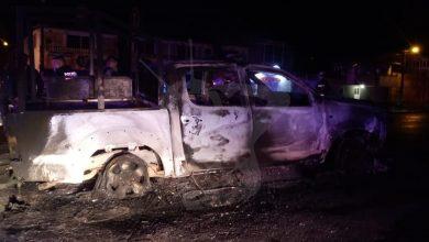 Photo of #Michoacán Queman Patrullas Y Golpean A Polis Por Supuestos Abusos