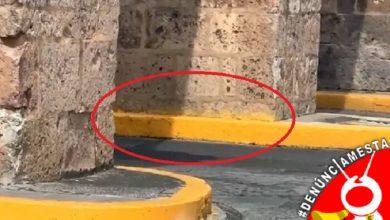 Photo of #Denúnciamesta Trabajadores del Ayuntamiento pintan cantera del Acueducto al balizar