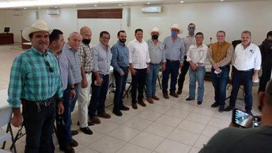 Photo of Se Reúne Feliciano Flores Con Los Distritos De Riego Del Rio Yaqui Y Rio Mayo En Sonora