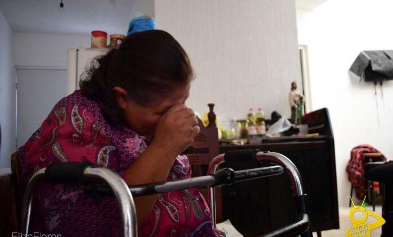 """Resultado del atentado terrorista del 15 de septiembre del 2008, resultaron 17 muertos y más de 100 heridos, entre ellos se encuentra la Señora María de Jesús Velázquez y su hijo, quienes sufrieron heridas de gravedad y con secuelas de por vida, por la granada lanzada por un integrante del cártel """"La Familia Michoacana"""" en la Plaza Melchor Ocampo, al unísono de los fuegos artificiales de la fiesta patria."""
