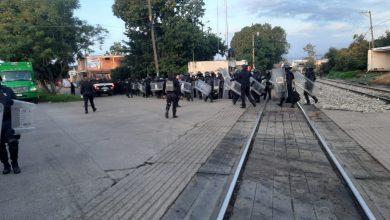 Photo of Centistas Y Normalistas Pretenden Retomar Los Bloqueos En Vías Del Tren En Michoacán