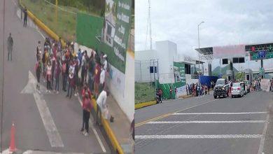 Normalistas Toman Caseta De Cobro En Michoacán