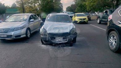 Photo of #Michoacán Camión De Carga Se Voltea En Plena Carretera
