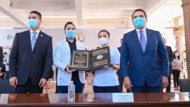 Photo of Entregan Presea Mártires de Uruapan 2020 a Instituciones de Salud