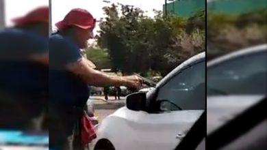 Photo of #Video Abuelito Pide Limosna A Punta De Pistola En Apatzingán