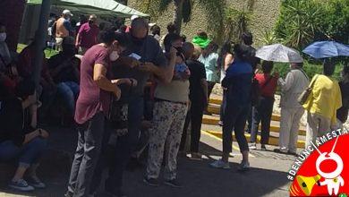 Photo of #Denúnciamesta Sin sana distancia hacen fila para vacunarse