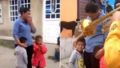 Photo of #Video Niño Da 5 Pesos Y Canicas A Mariachi Para Llevarle Serenata A Su Mamá