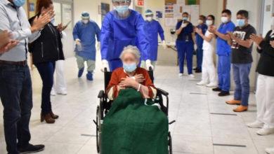 Photo of Abuelita De 97 Años Con Hipertensión Logra Vencer El COVID-19 En El IMSS