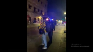 Photo of #Morelia Policía Michoacán Vuelve A Agredir A Prensa, Ahora Al Arrestar A Fumadores De Mota En El Centro
